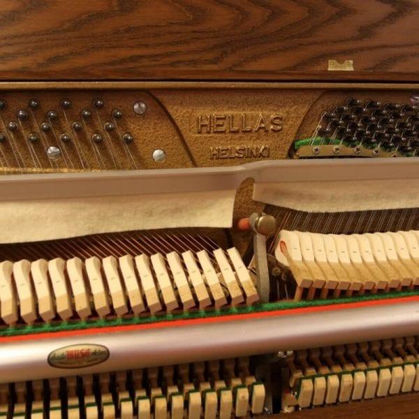 Hellas piano eiken | Schumer Piano's & Vleugels