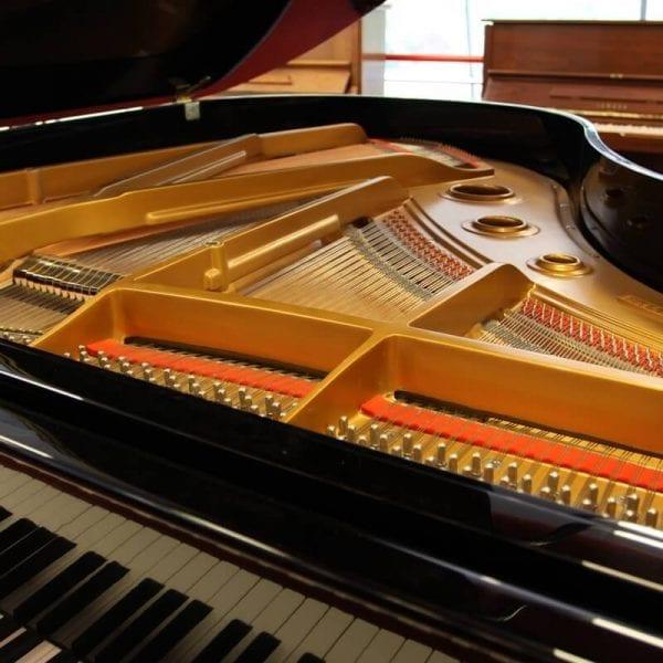 Hyundai 4 piano | Schumer Piano's & Vleugels